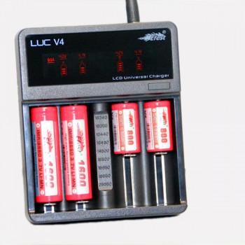 Caricabatterie Efest LUC V4